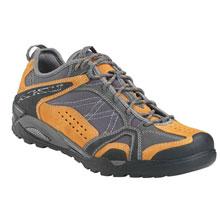 AKU  383133 低帮 徒步鞋  男女款 GTX